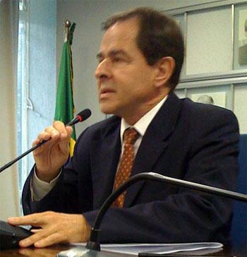Ministro Sérgio Rezende em reunião sobre biodiesel
