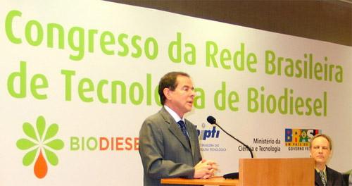 Ministro Sérgio Rezende durante abertura do II Congresso da Rede Brasileira  de Tecnologia de Biodiesel