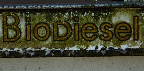 Velha placa de biodiesel